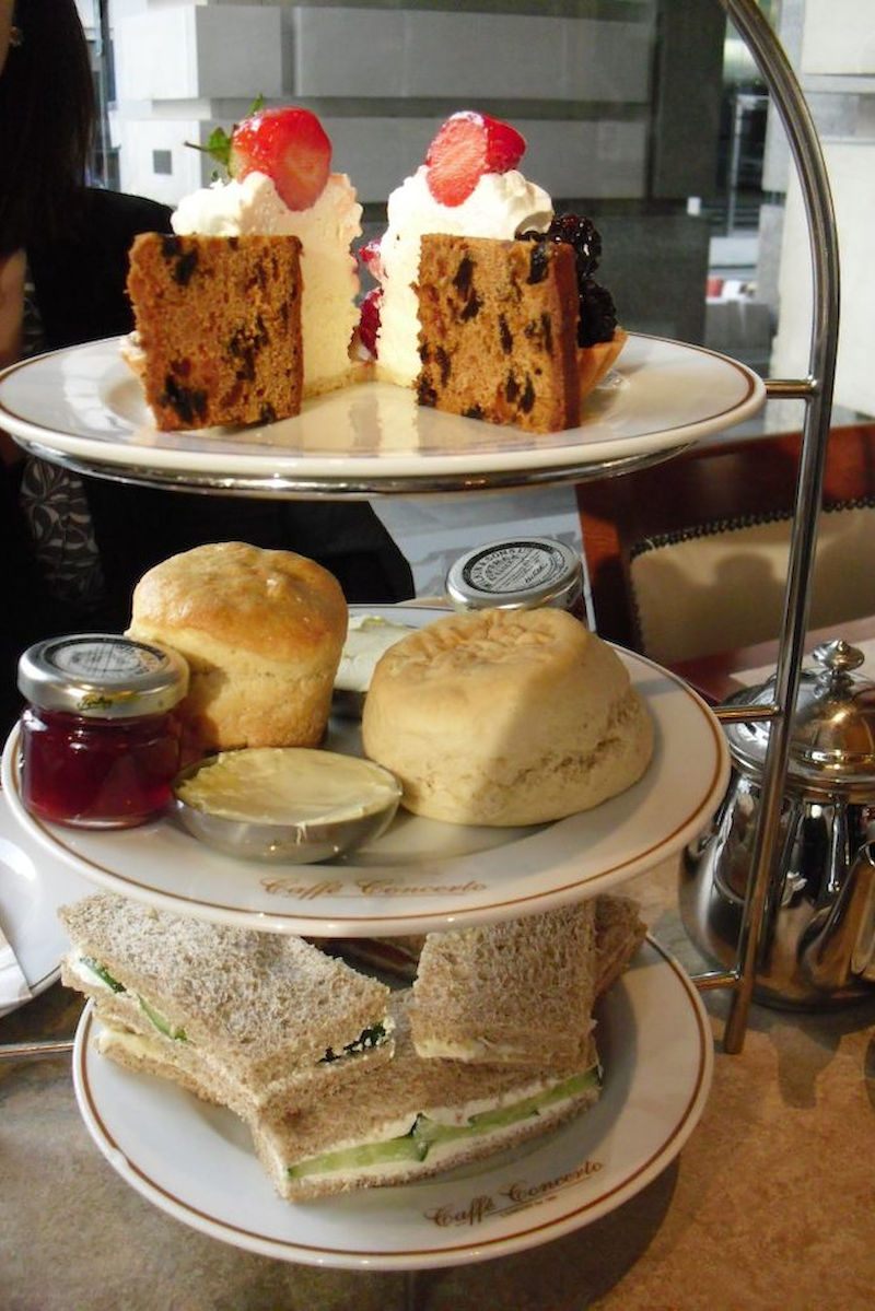 Tea Time in England: Sandwiches, Scones und Fruit Cake