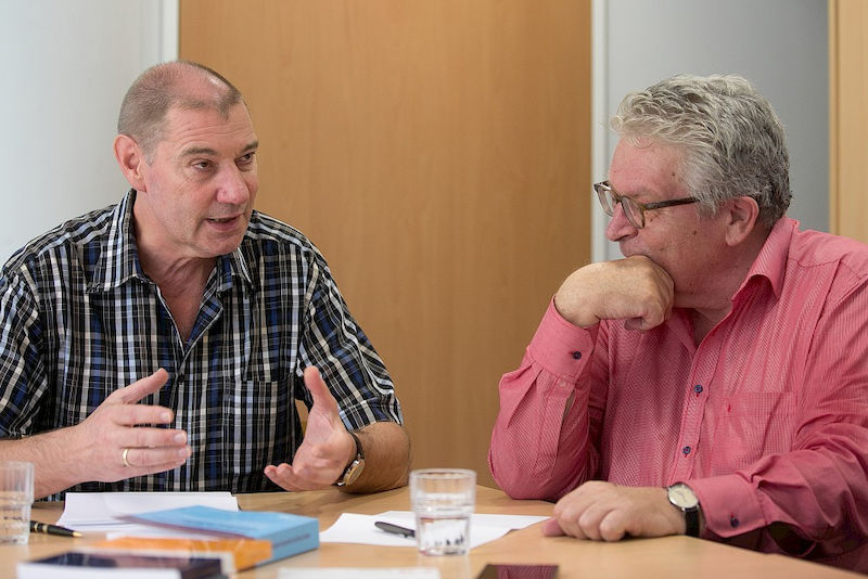 Werner Helsper (left) and Heinz-Hermann Krüger head the DFG research group.
