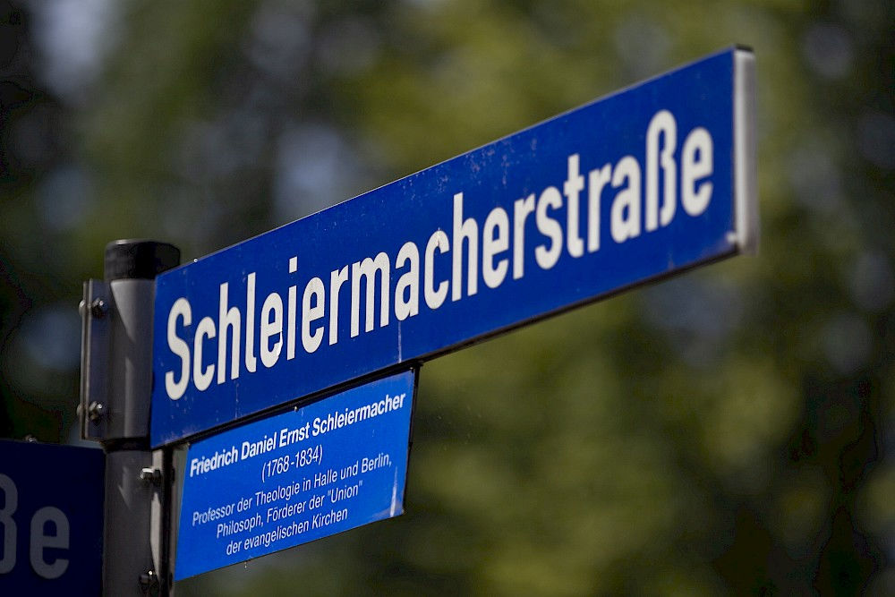 A street is named after the theologian in Halle's Paulusviertel.