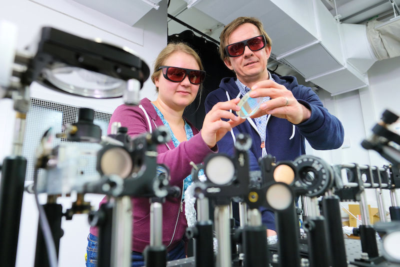 Jan Laufer and Ulrike Pohle use modern technology to obtain high-resolution images of blood vessel networks.